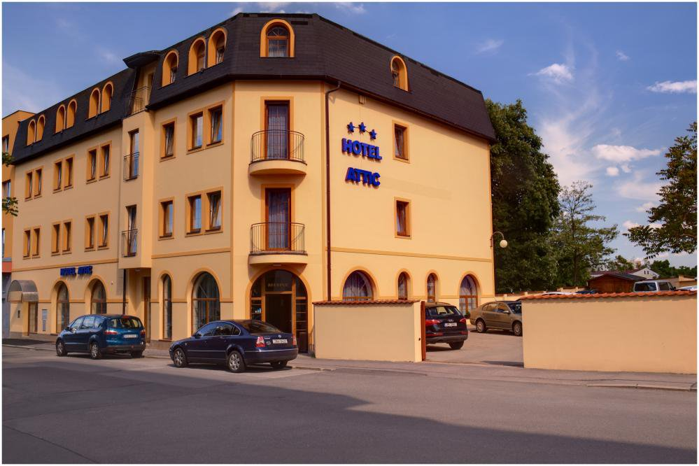 Hotel Attic, Praha