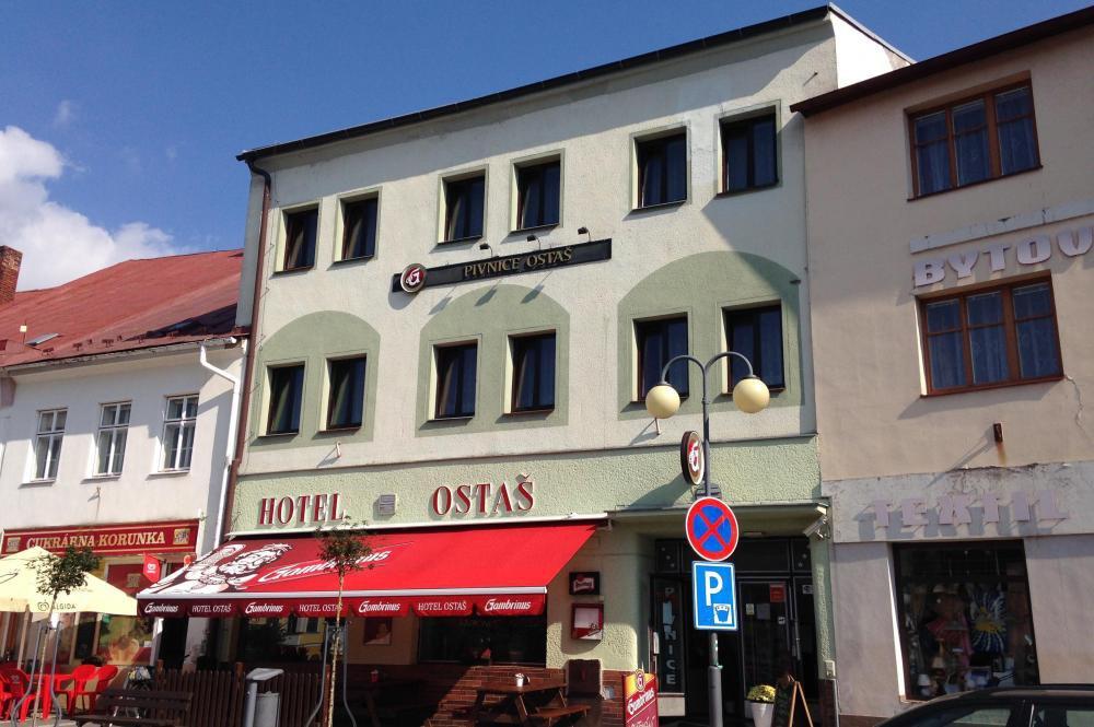 Hotel Ostaš, Police nad Metují