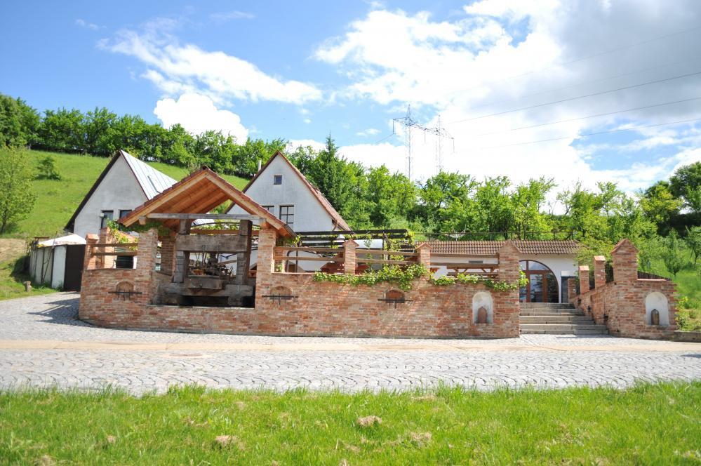 Vinný sklep Krýsa, Kostelec