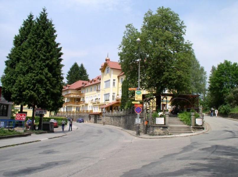 Lázeňský léčebný dům Praha, Luhačovice