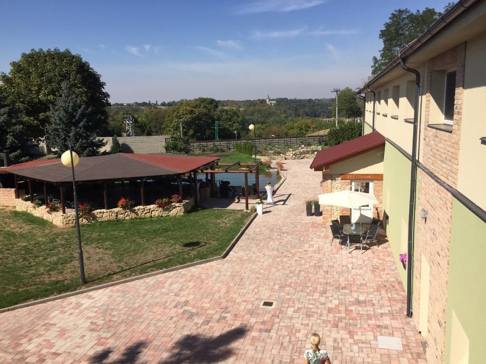 Hotel Dvůr, Písková Lhota