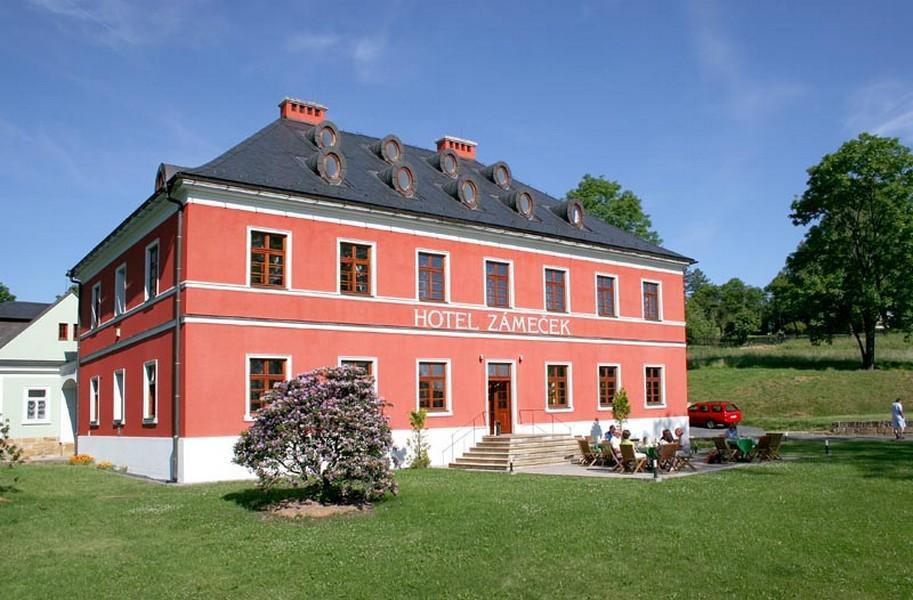 Wellness Hotel Zámeček, Jetřichovice
