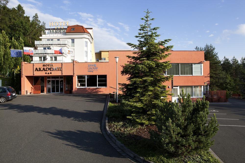 Hotel Akademie Naháč, Chocerady