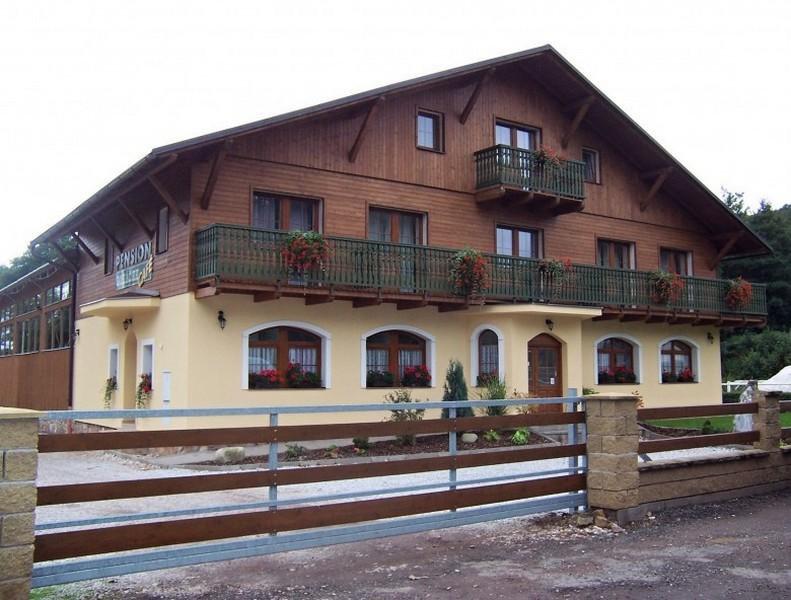 Penzion Boháček, Mladé Buky