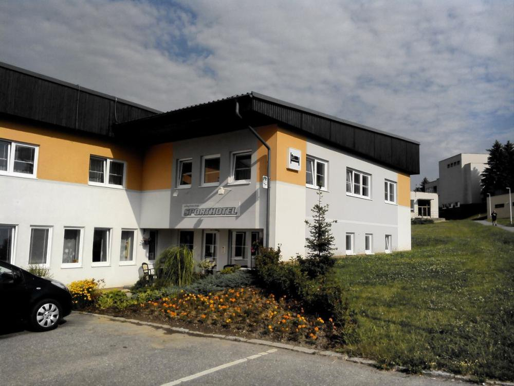 Sporthotel, Bystřice nad Pernštejnem