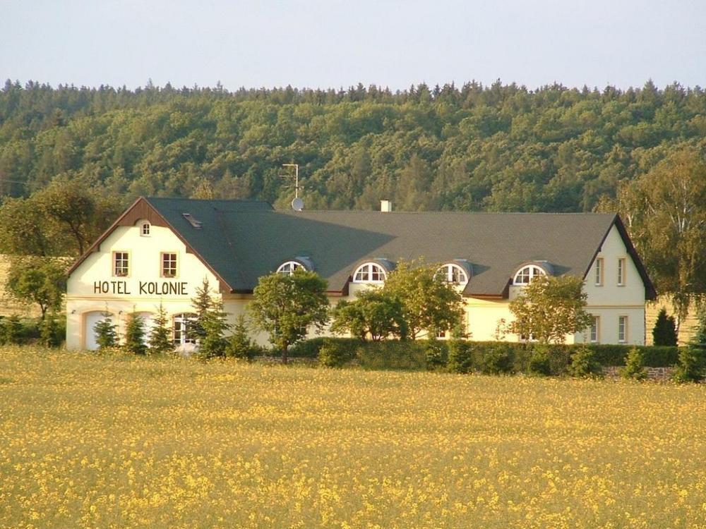 Hotel Kolonie, Pustověty
