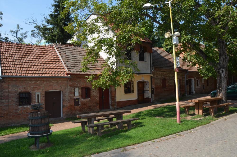 Ubytování nad sklípkem Pod pyramidou, Moravská Nová Ves