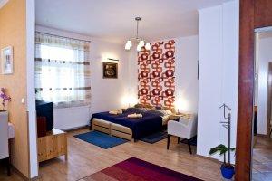 Apartmány a hostel SKLEP, Praha 3