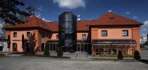 Zámecký Hotel Zlatý Orel, Hranice