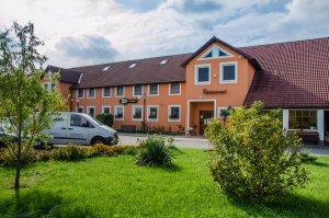 Hotel U Jezera, Velký Osek