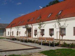 Zámecký Hotel Třešť, Třešť