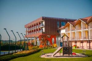 Hotel K-Triumf, Velichovky