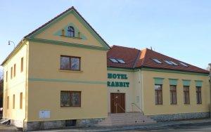 Hotel Rabbit, Trhový Štěpánov