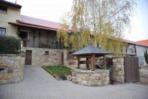 HOTEL LONY, Mochov