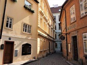 Charles Bridge - Blind Street House, Praha