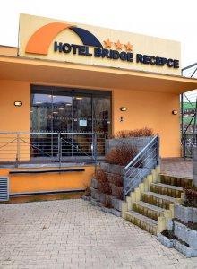 Hotel Bridge, Praha