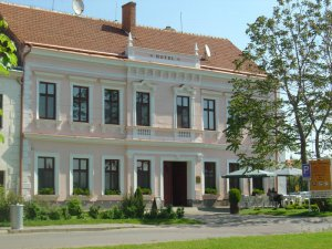 Hotel Drnholec, Drnholec