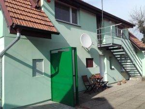 Apartmán KOI, Veltrusy