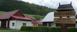 Dvůr U Kříža, Velké Karlovice