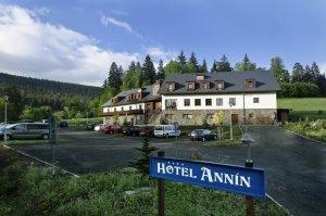 Hotel Annín, Dlouhá Ves