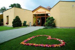 Hotel Harmonie, Zastávka