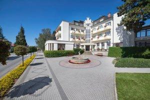 Lázeňský hotel Grand, Lázně Bělohrad