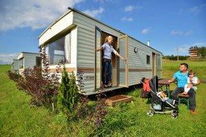 Sruby, mobilní domy, chatky, indiánské stany, Zvole